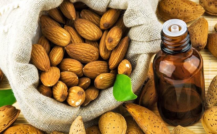 Ciekawostki: Olejek ze słodkich migdałów- pielęgnacja skóry mamy i maleństwa